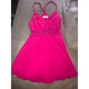 L'ATISTE hot pink summer dress 🌸